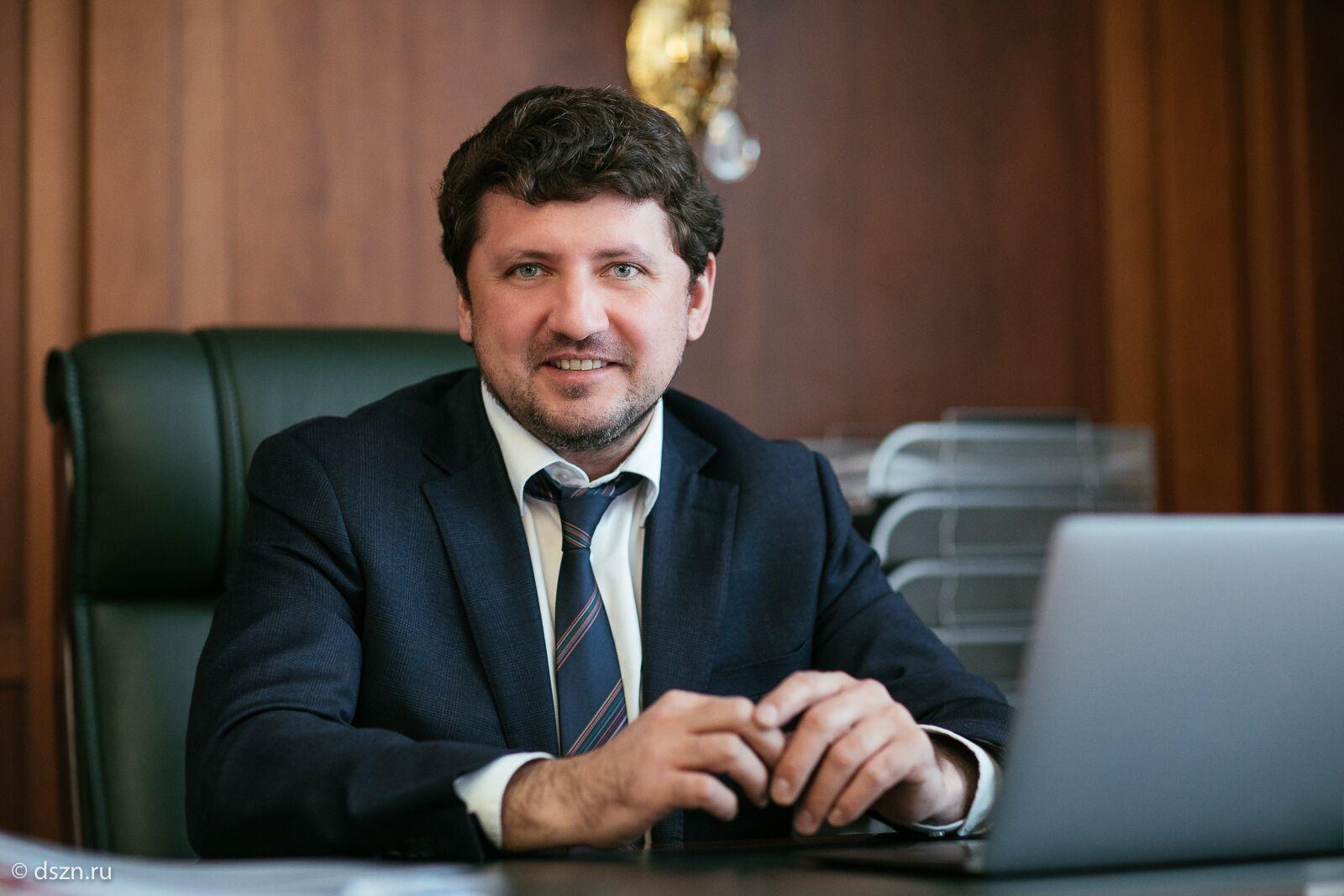 Евгений Стружак, руководитель Департамента труда исоциальной защиты населения города Москвы, также участвовал вонлайн-встрече